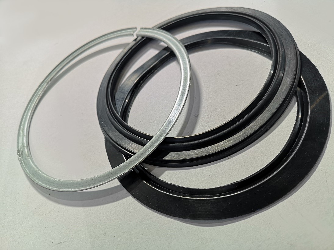 Large dust seal for Nissan Patrol Y61