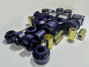 Polyurethane bush kit with swivel arm with metal housing in rear Nissan Patrol Y61 3,0
