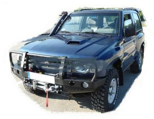 F4x4 Front bumper for Mitsubishi Pajero V33 II with wide plastic fender flares 1991-1999